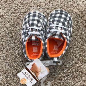Carters NWT baby shoes size 4